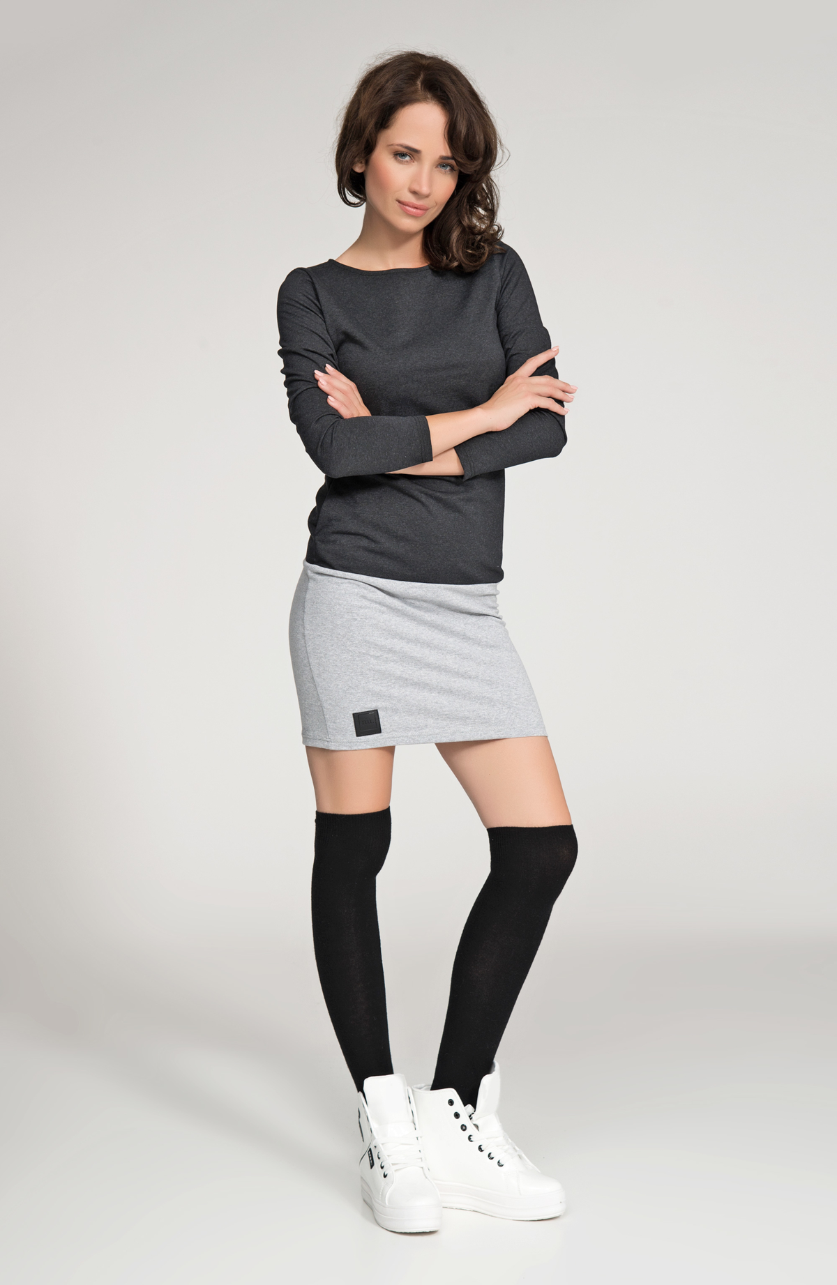 Dámske voľnočasové krátke šaty šedo-čierne - Čierna - Numinou čierna so šedou 42