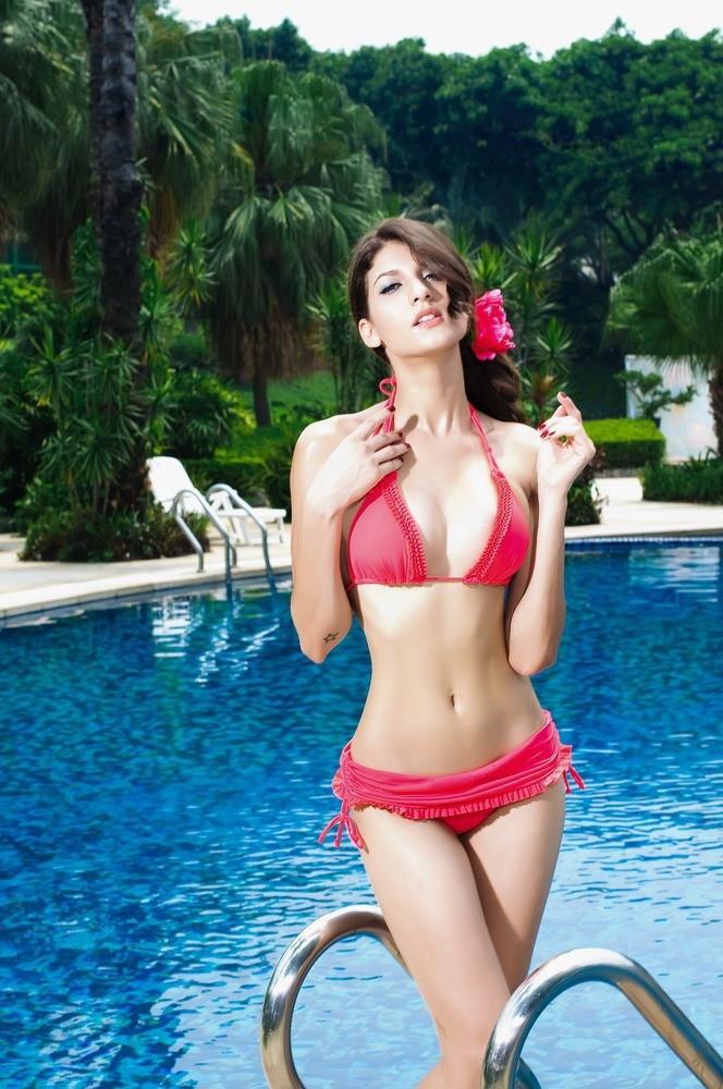 ZOE Dámske plavky dvojdielne bikiny s push-up efektom bohato zdobené sa sukničkou červené - Červená - OEM M
