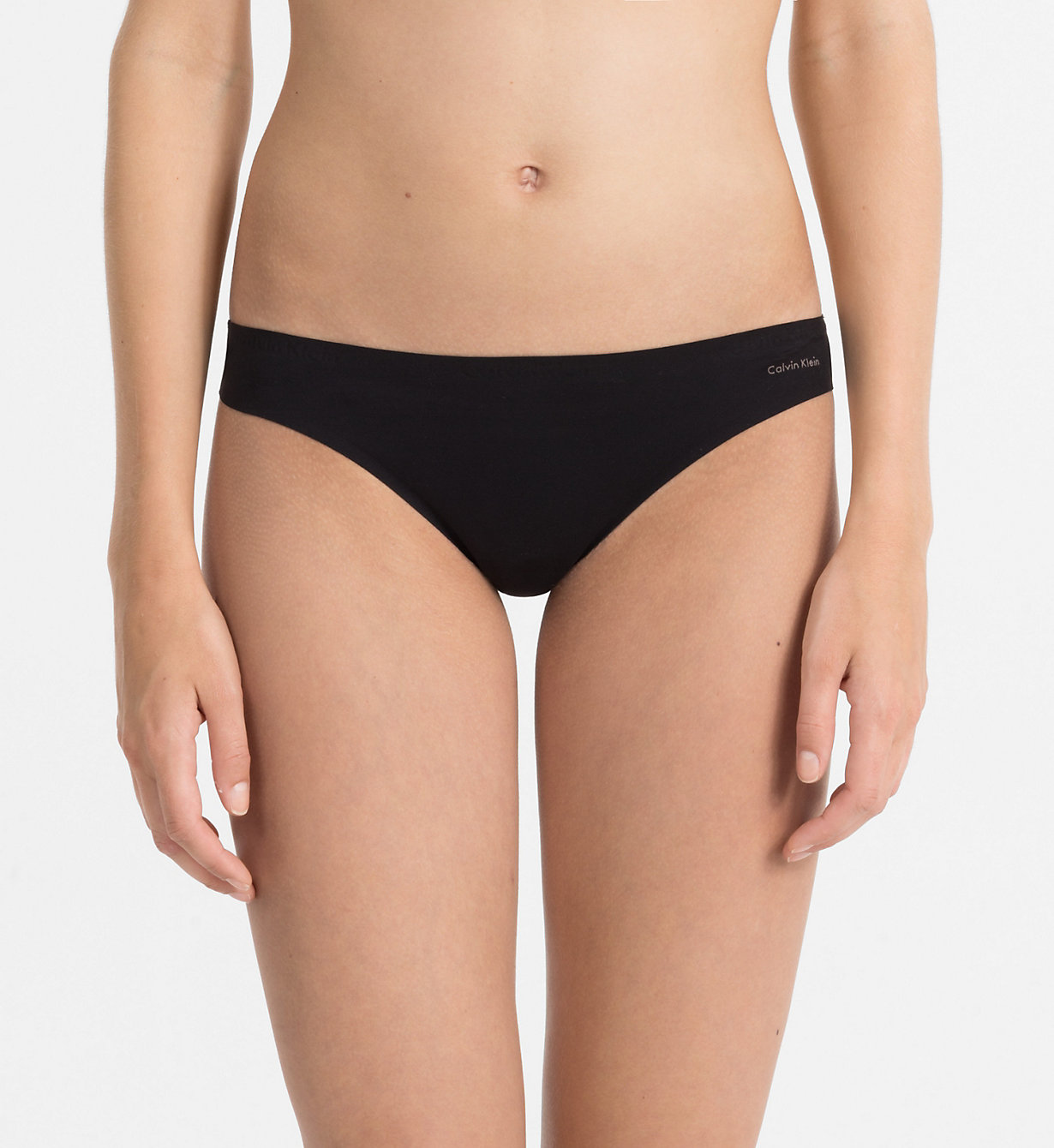 Tanga F3842E černá - Calvin Klein Barva: černá, Velikost: S