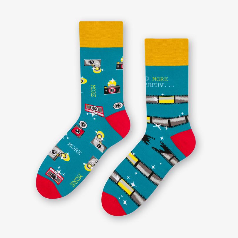 Dámské asymetrické ponožky 078 zelená/fotografie 39/42