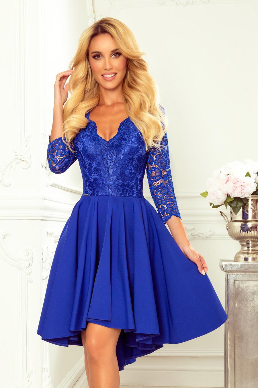 NICOLLE - Svetlo modré dámske šaty s dlhším zadným dielom as čipkovaným výstrihom 210-12 L