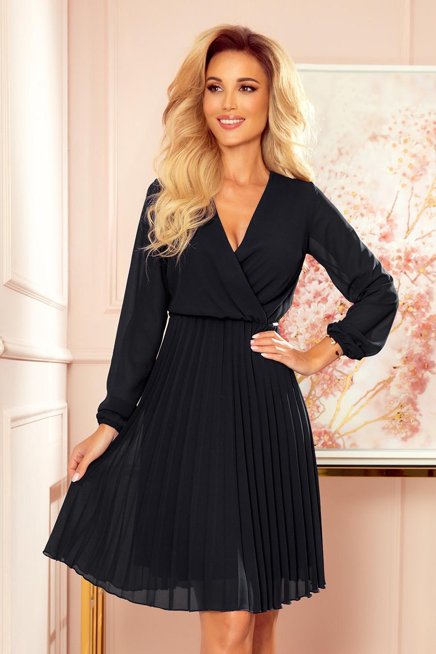 ISABELLE - Čierne dámske plisované šaty s dekoltom a dlhými rukávmi 313-7 S