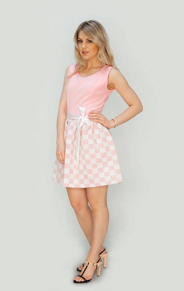 Ružové rozšírené šaty (3054/2) różowy XL (42)