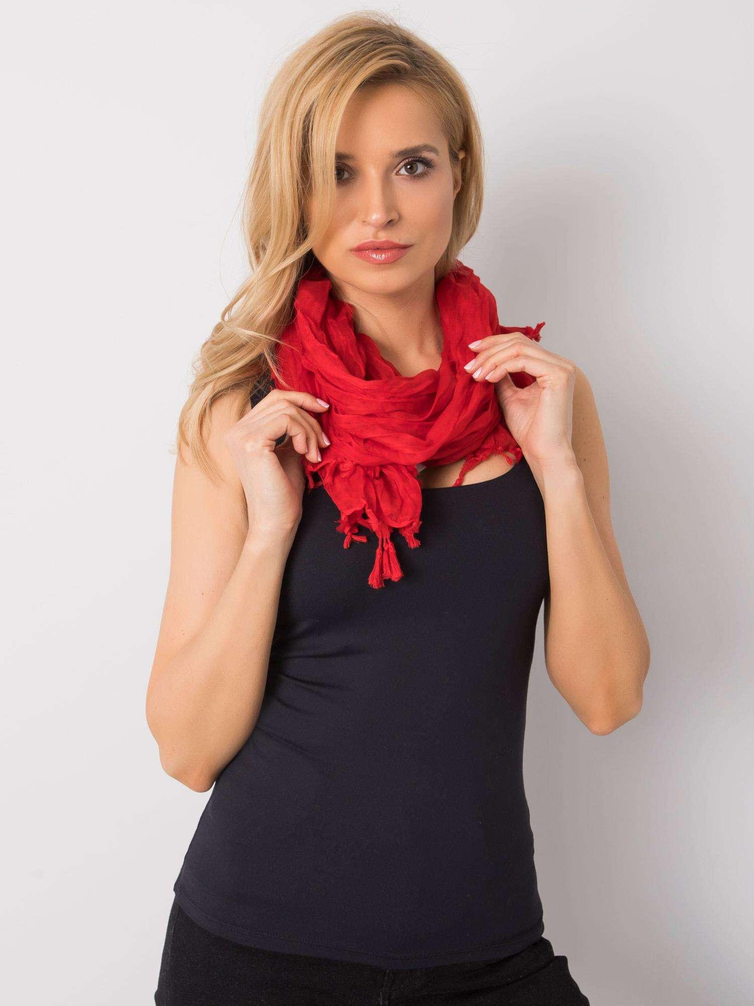Dámský červený šátek s třásněmi jedna velikost