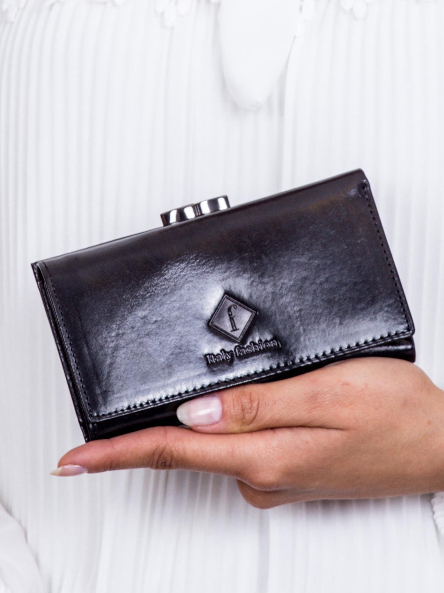 Dámska čierna peňaženka s reliéfom ONE SIZE