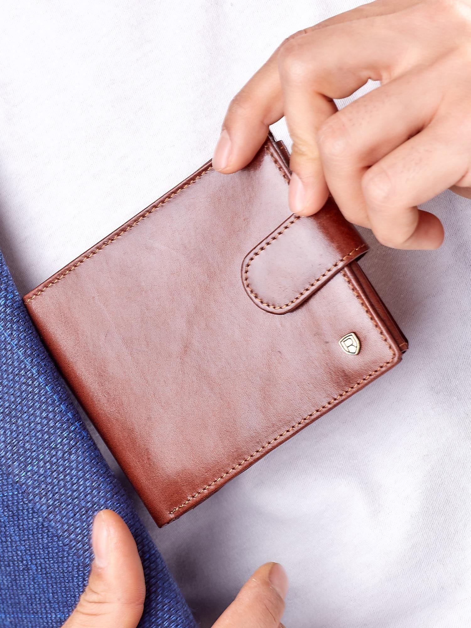 Elegantná hnedá kožená peňaženka pre mužov one size