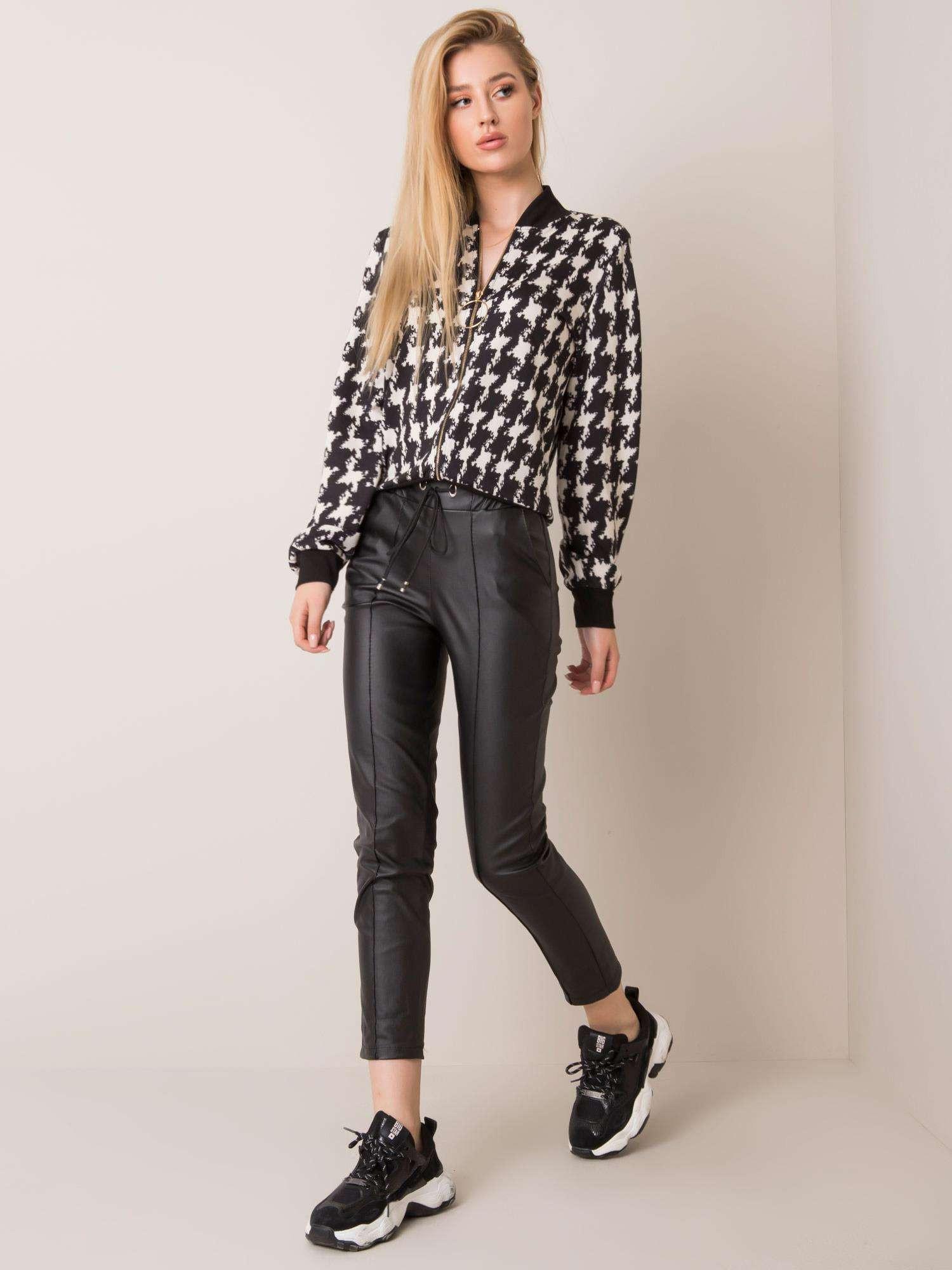 Čierne voskované nohavice XL