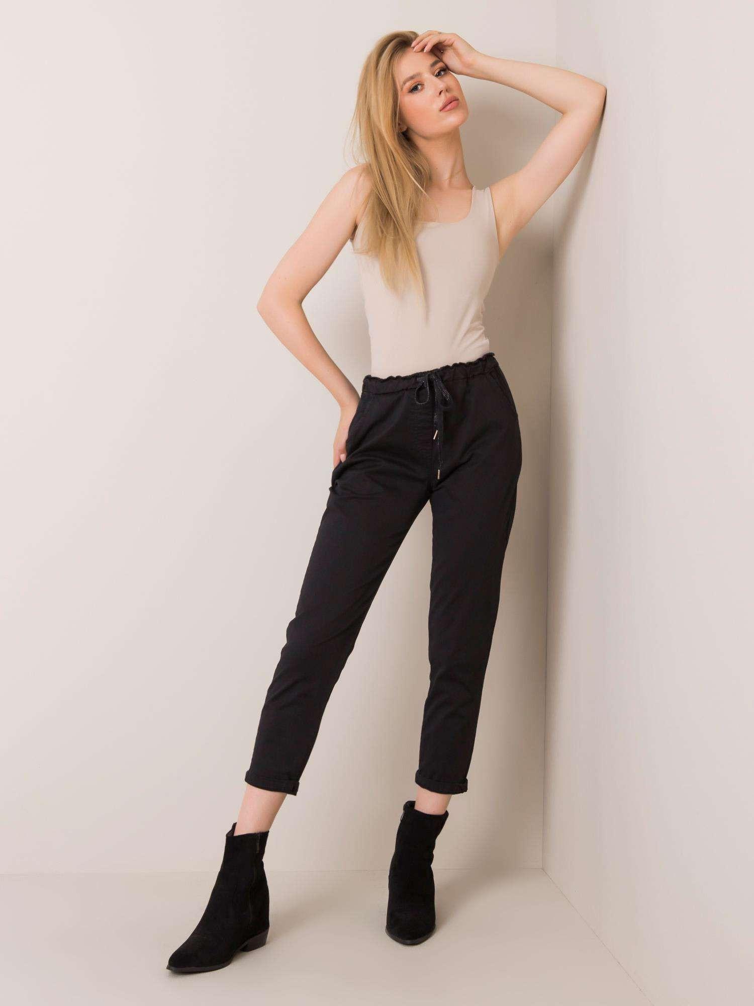 Čierne bavlnené nohavice M