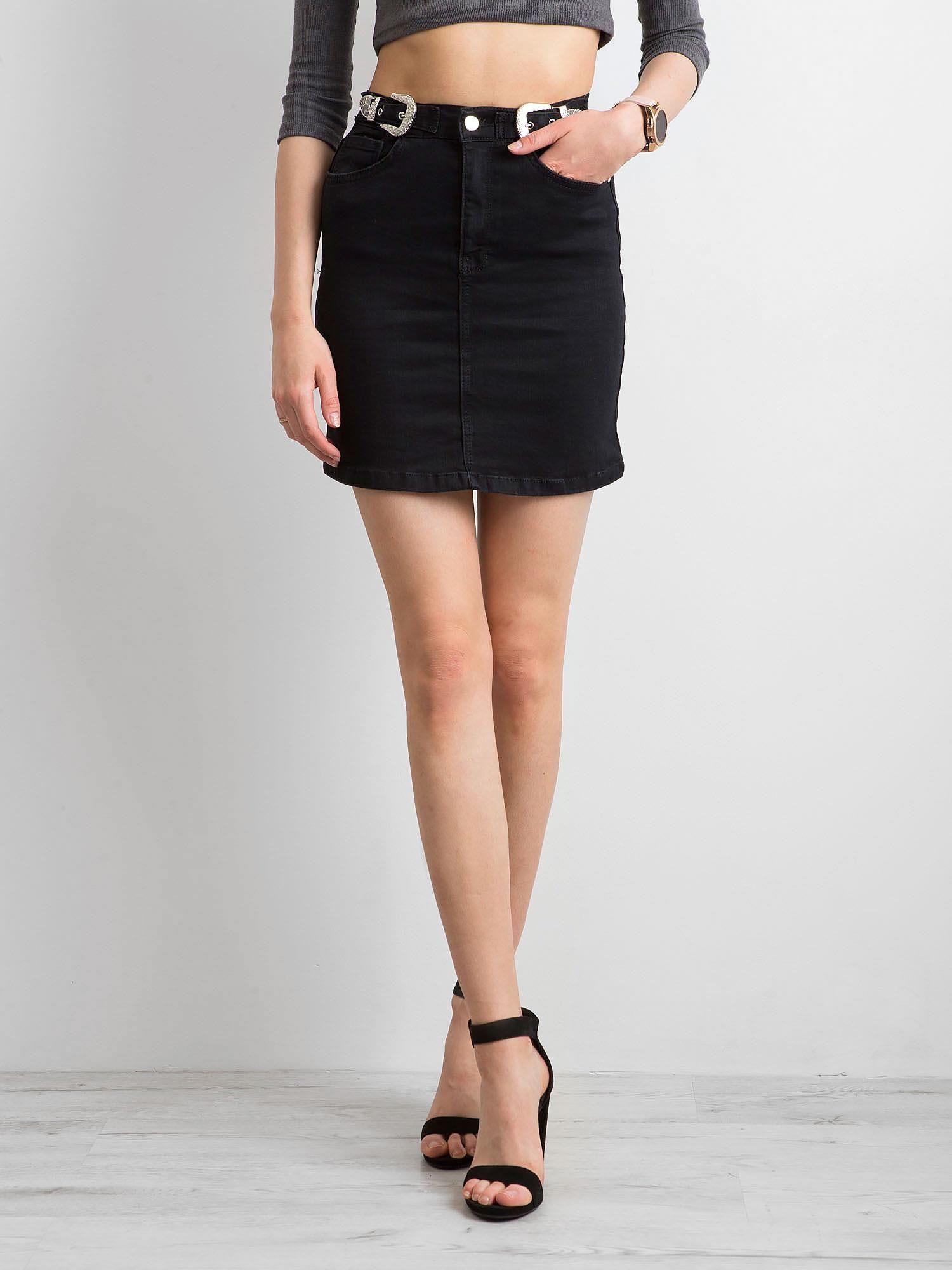 Čierna džínsová sukňa s ceruzkou 42