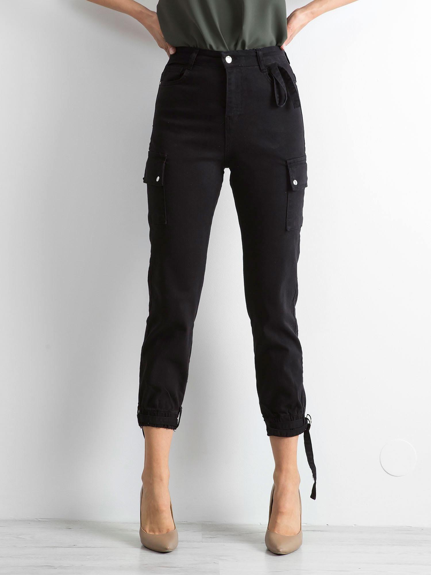 Čierne nohavice s vreckami 34