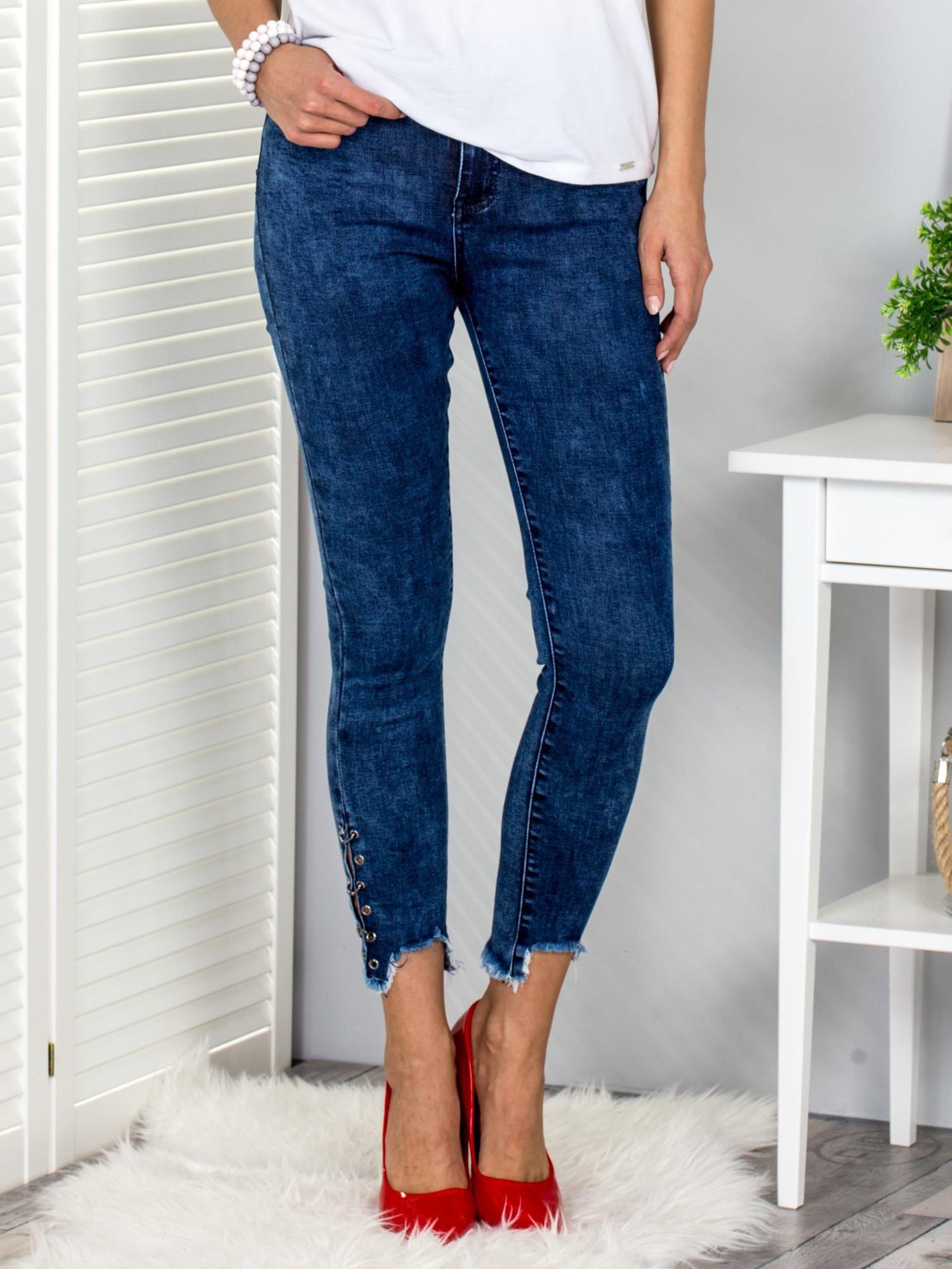 Modré dámske nohavice s kruhmi a rozštiepené 36