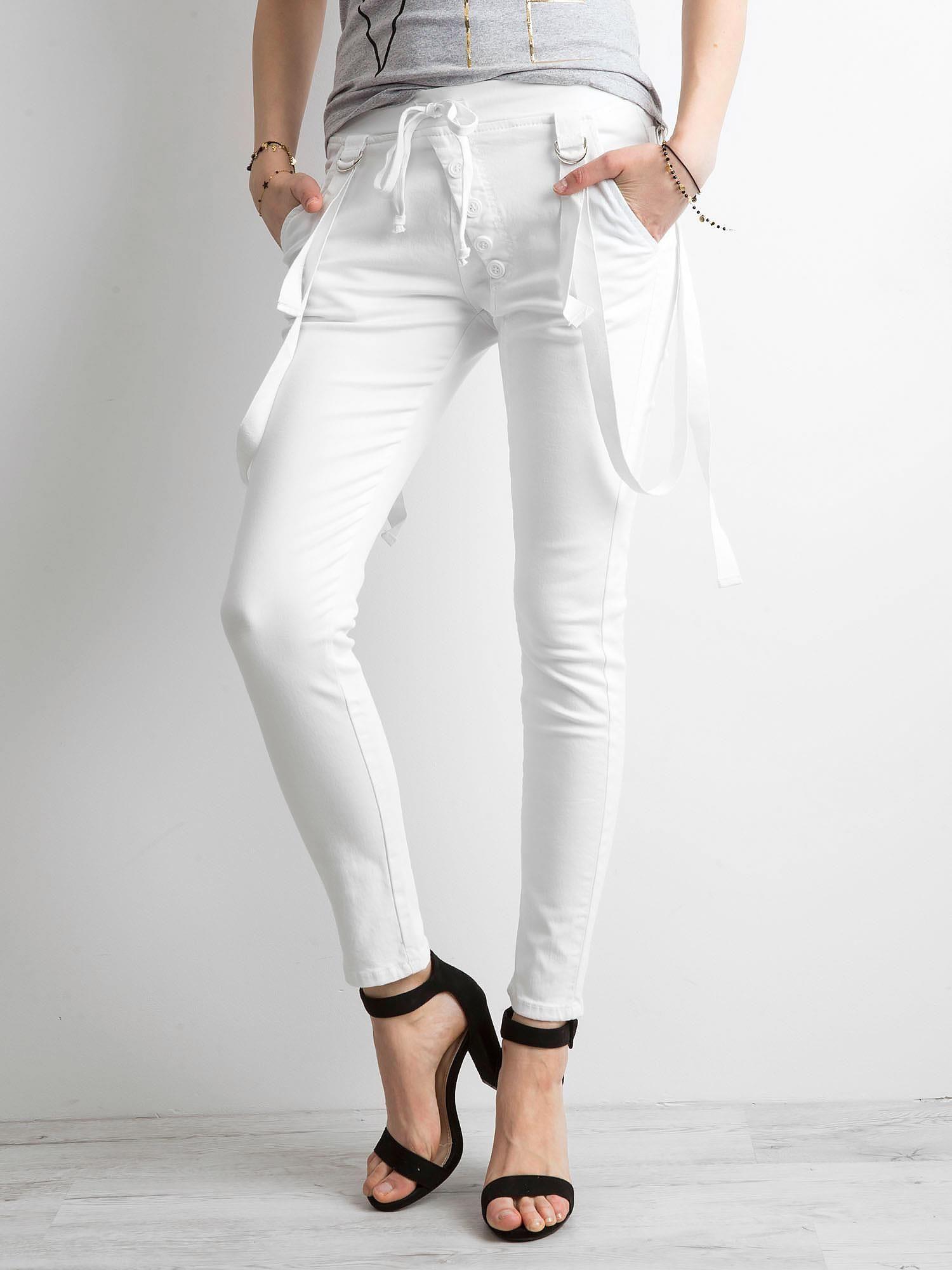 Biele dámske riflové nohavice 36