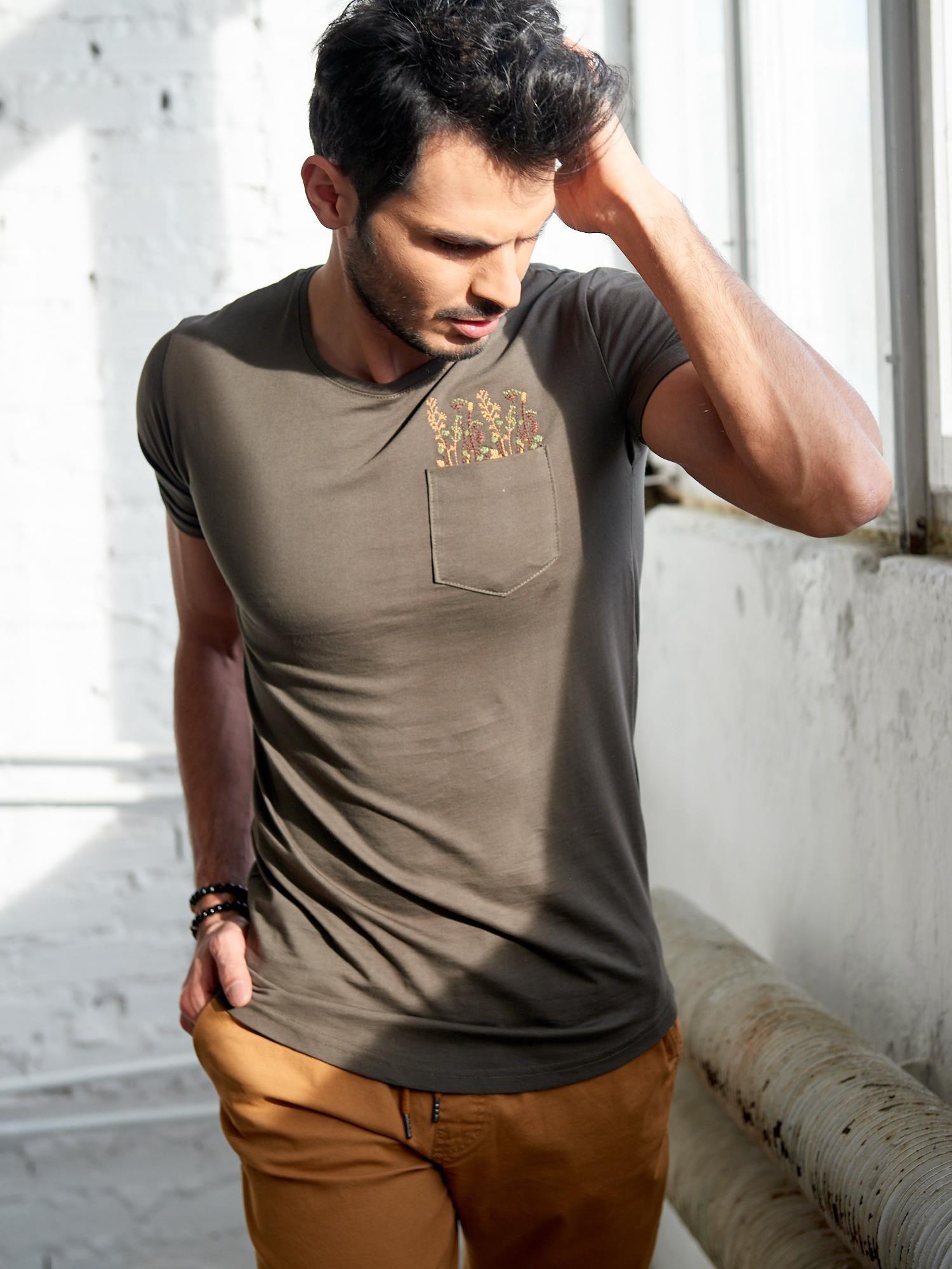 Pánske tričko s khaki výšivkou L