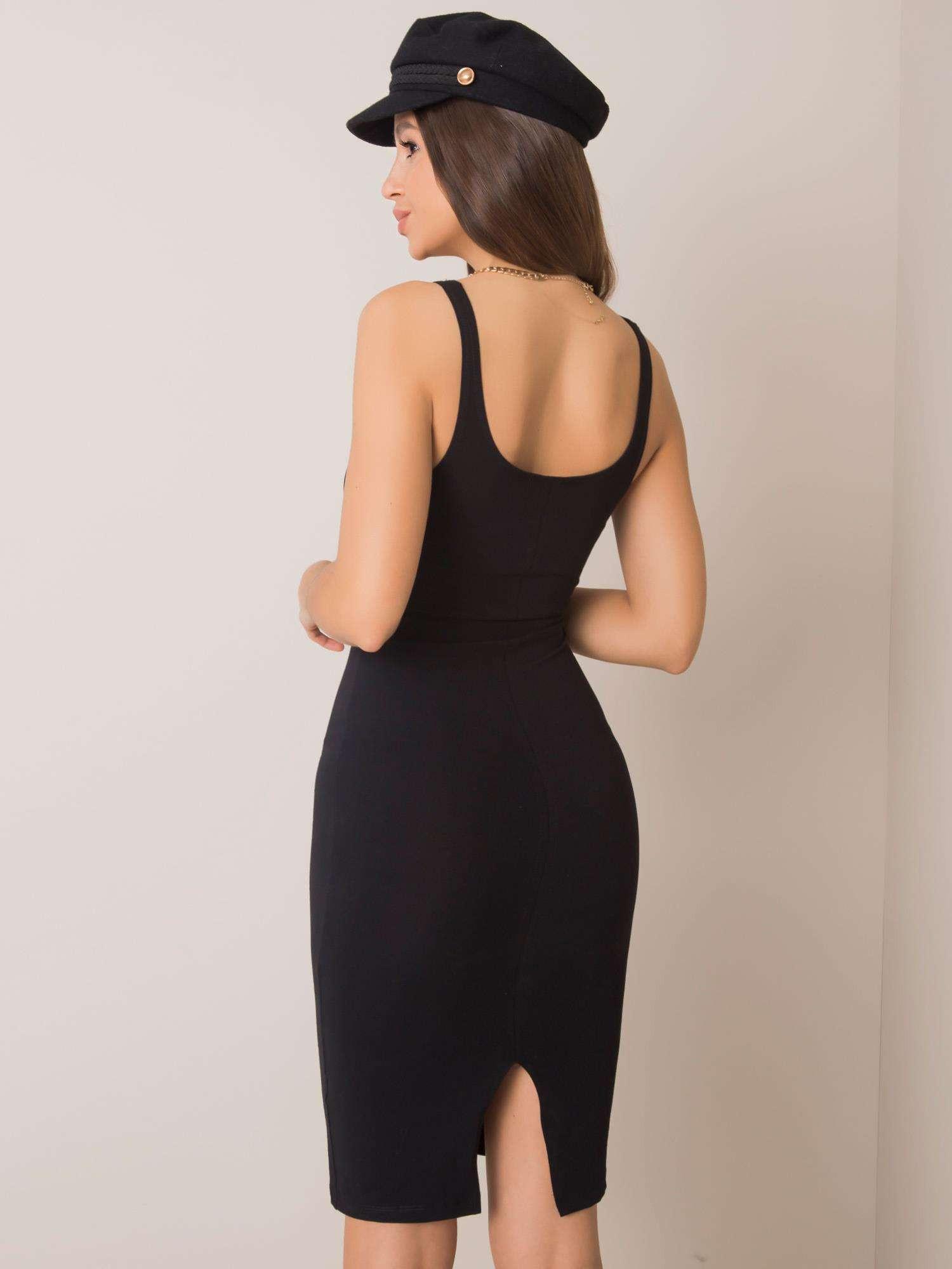 Základné čierne šaty M
