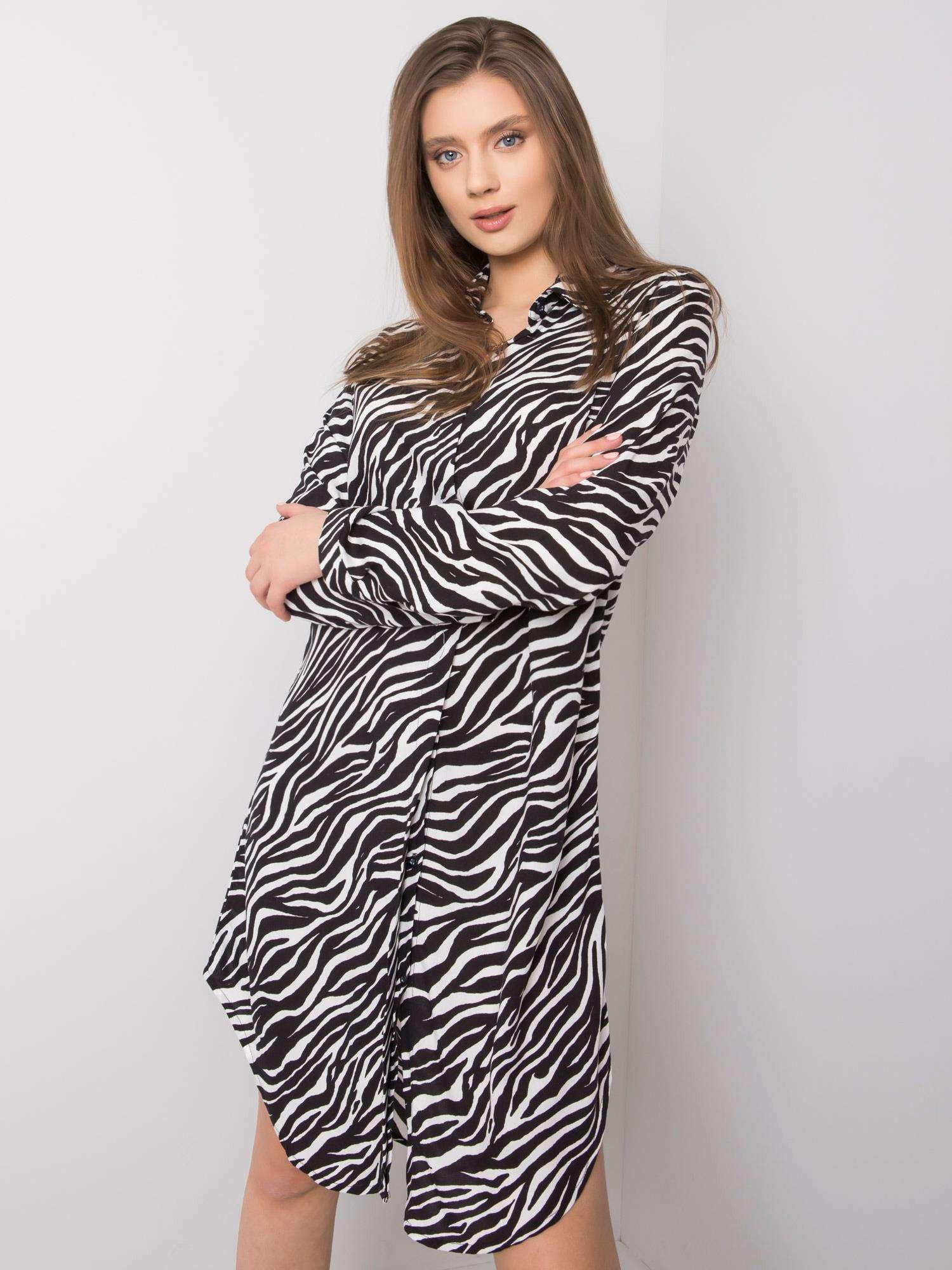 RUE PARIS Čiernobiele šaty so zvieracím motívom L